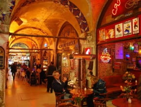 SHOPPING IN HISTORICAL BAZAARS OF ISTANBUL